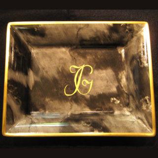 vide poche porcelaine peinte en marbré initiales or